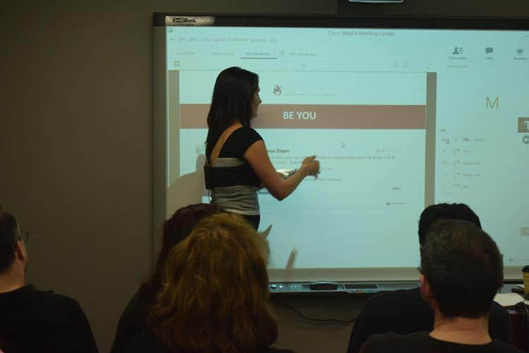 Melissa Dawn Presenting at Yes Montreal - Canada